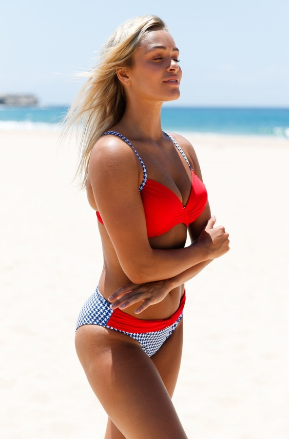 Kırmızı Destekli Bikini Takım